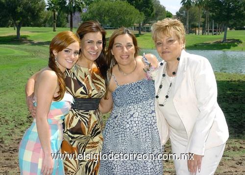 24042010 elizabeth zertuche rodríguez junto anfitrionas festejo canastilla maria