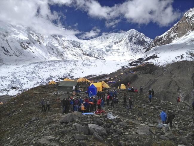 Nueve muertos tras avalancha en Nepal