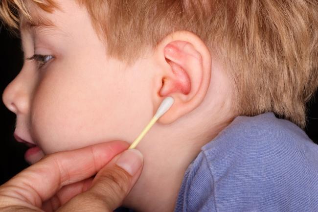 ¿Cómo limpiar correctamente nuestros oídos?