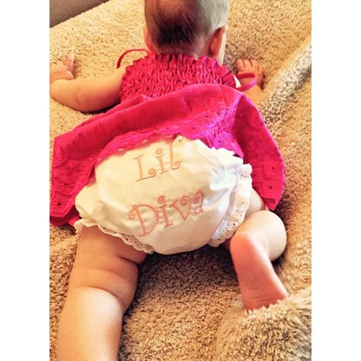Comparte Christina Aguilera primera foto de su hija