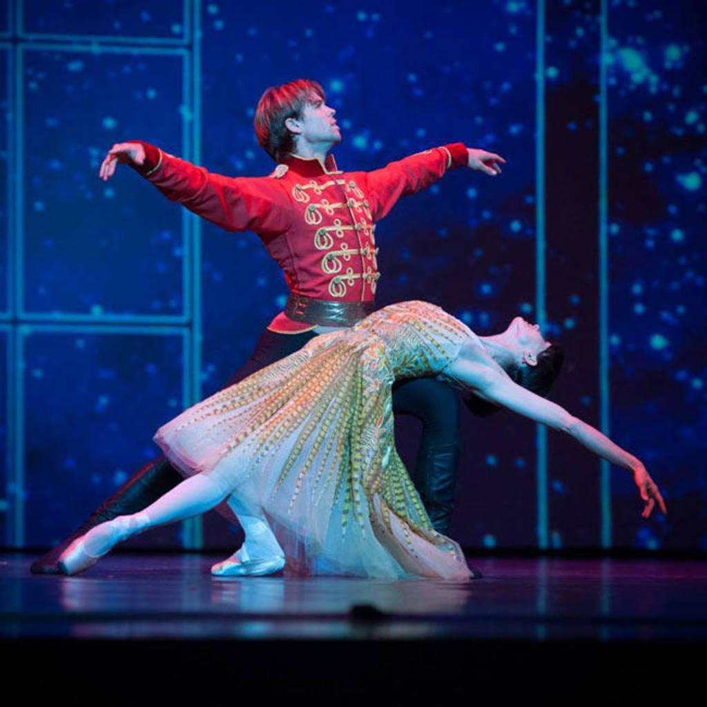Ballet Ruso viene con El Cascanueces