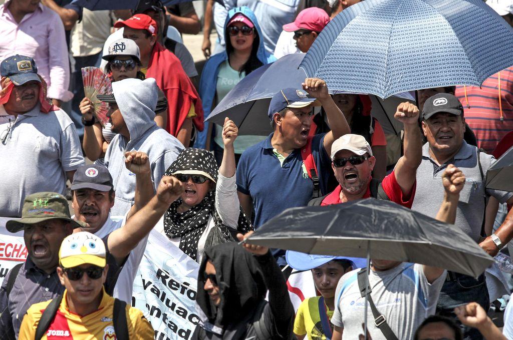 Maestros de la CNTE marcharán a Los Pinos